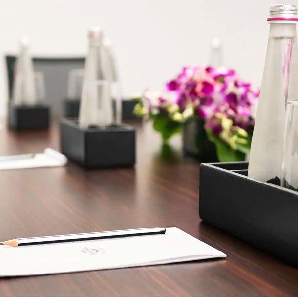 Board-Room-Venue-Meeting-Spaces-in-Kolkata-Howard-Johnson-Kolkata