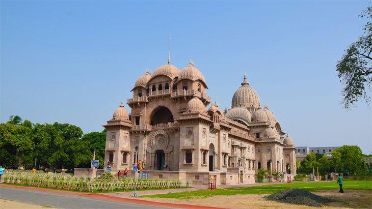 Visit Belur Math Stay at Howard Johnson Kolkata