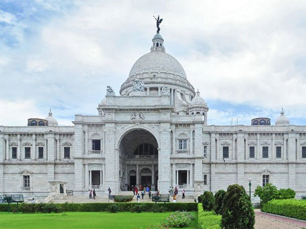 Visit-Kolkata-Stay-at-Howard-Johnson-Kolkata