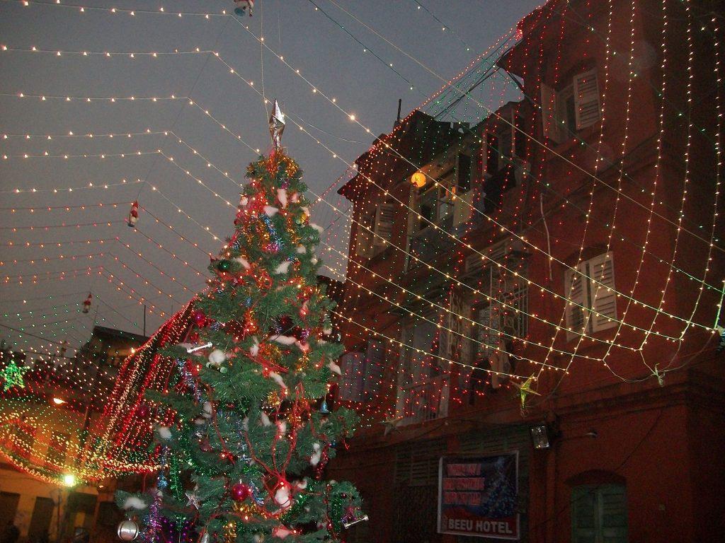 Celebrate Christmas in W Bengal's capital city Kolkata